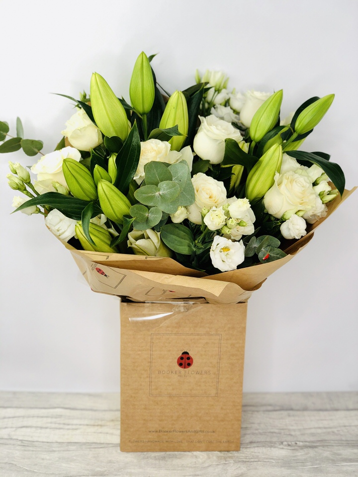 Champagne Celebration Hand Tied Extra Large: Booker Flowers and Gifts