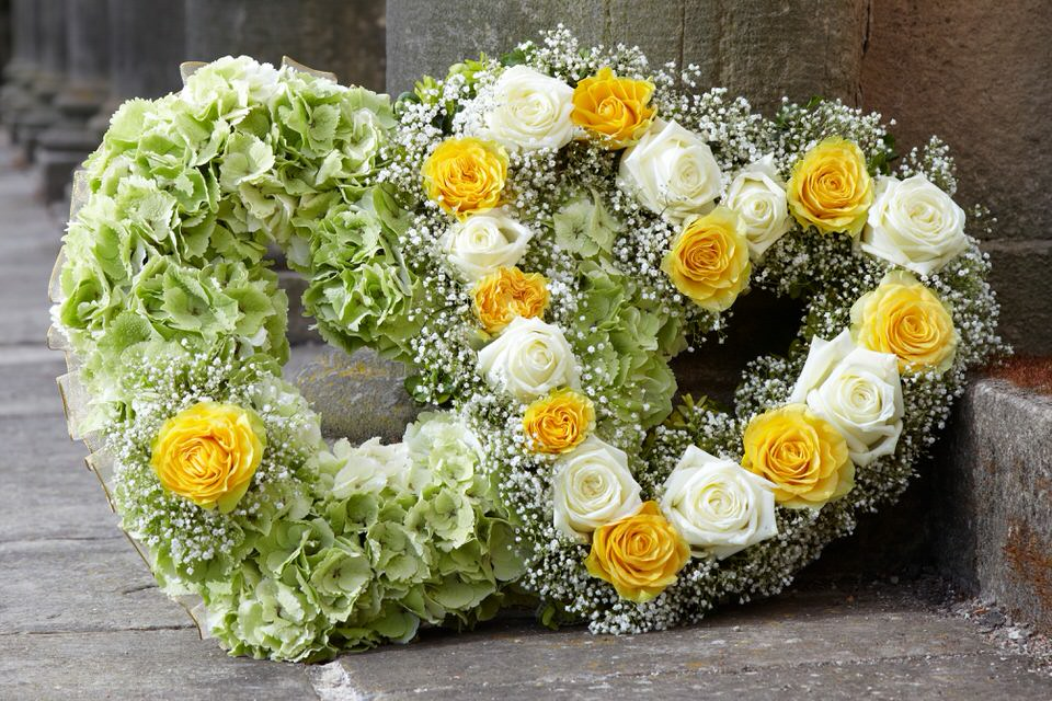 Double Open Heart Yellow Green and White: Booker Flowers and Gifts
