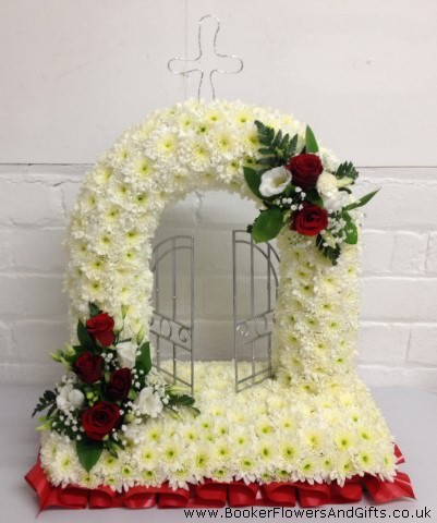 Gates Of Heaven Funeral Tribute: Booker Flowers and Gifts