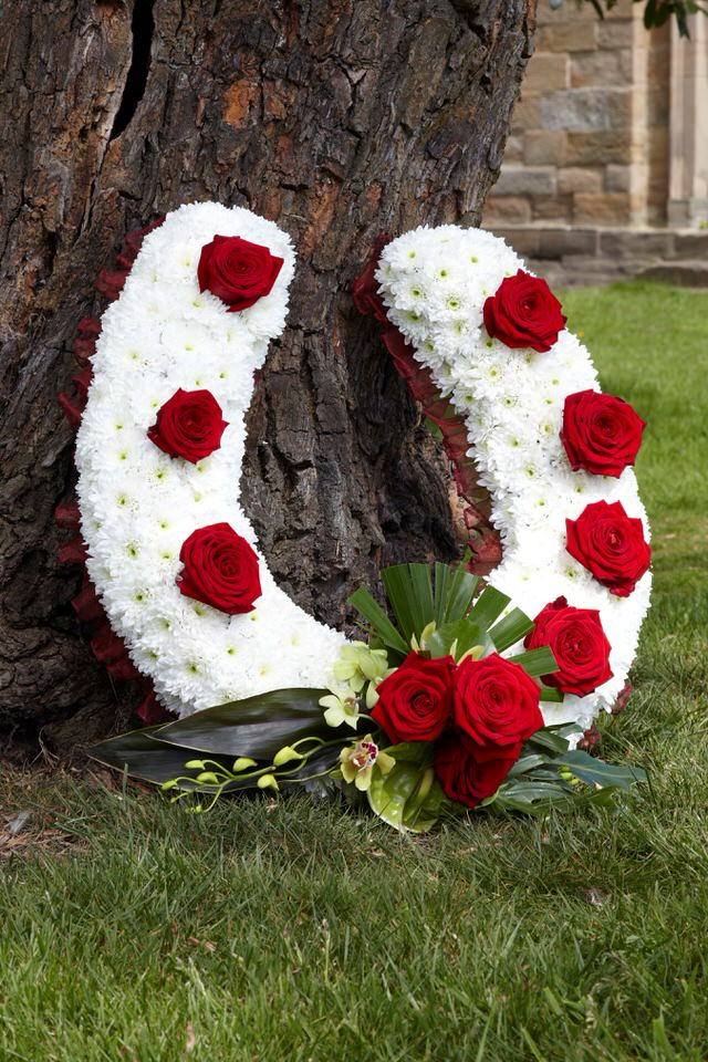 Horse Shoe Funeral Tribute: Booker Flowers and Gifts