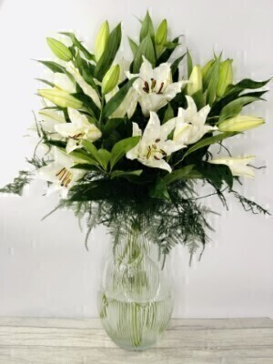 Large Luxury Oriental Lilies in Gisela Graham Vase: Booker Flowers and Gifts